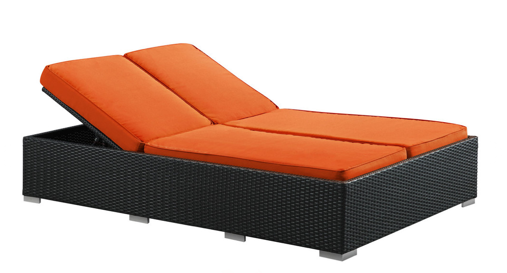 Chaise longue de piscine elegant chaise longue transat for Chaise longue de piscine